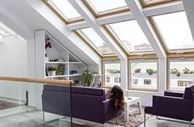 VELUX tetőtéri ablakok kombinálása térdfalablakokkal