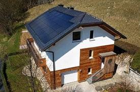 Napelemes tető
