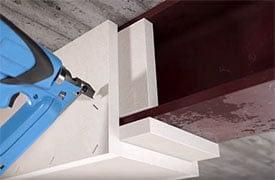 Hogyan építsen tűzvédelmi burkolatot acélszerkezetre Glasroc F építőlemezből